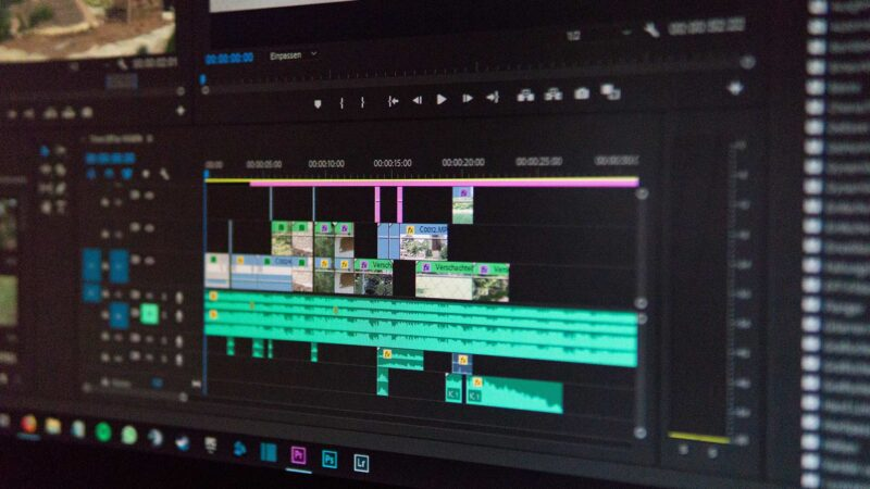 Outsourcing-to-a-Video-Editing-Company_5-Tips-to-Do-it-Right